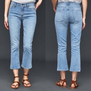 NWOT GAP Crop Kick Medium Wash Jeans